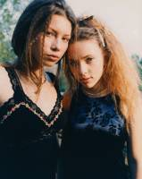 67257 Thumbnail of: Jessica Biel and Scarlett Johansson in Teen People, 1998.jpg