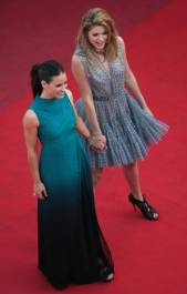 303377 Thumbnail of: Doutzen Kroes & Evangeline Lilly - Looking For Eric premiere at the 62nd International Cannes Film Festival, May 18th 2009.jpg