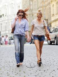 324421 Thumbnail of: Sienna Miller and Rachel Nichols in Prague while filming G.I. Joe May 13 74725 sienna019sandino 122 164lo.jpg